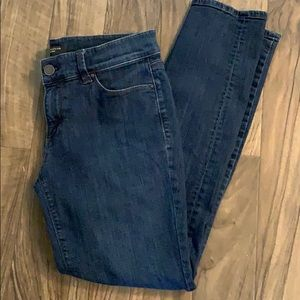 Ann Taylor petite 6 blue jeans - Great Condition